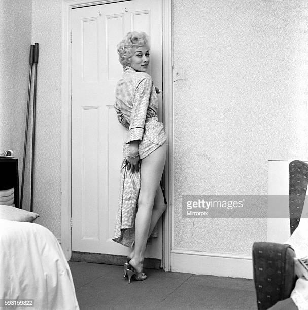 Actress Carole Lesley. 1964 E286-014