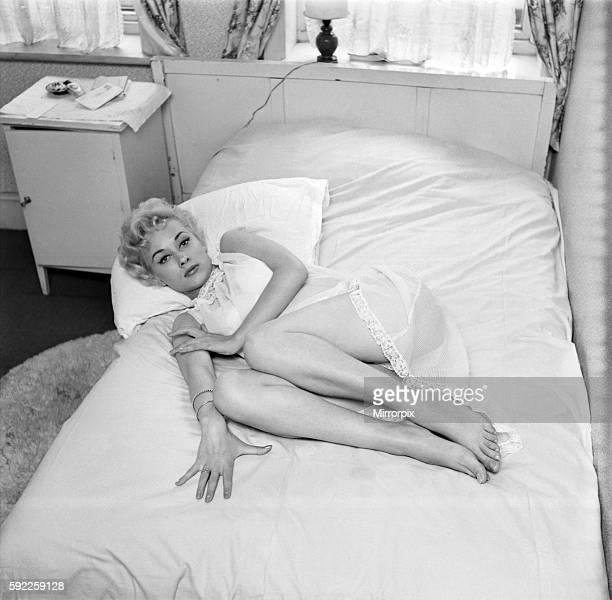 Actress Carole Lesley. 1964 E286-020