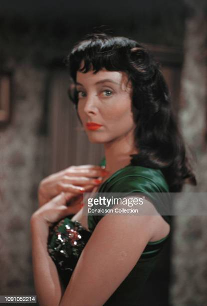 Actress Carolyn Jones poses for a photo circa 1958 in Los Angeles, California.