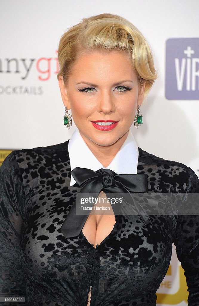 Actress Carrie Keagan arrives at the 18th Annual Critics' Choice Movie Awards at Barker Hangar on January 10, 2013 in Santa Monica, California.