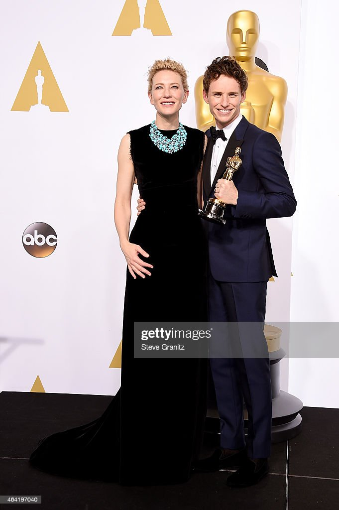 Actress Cate Blanchett (L) and actor Eddie Redmayne pose in the press room during the 87th Annual Academy Awards at Loews Hollywood Hotel on February 22, 2015 in Hollywood, California.