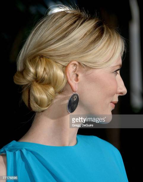 Actress Cate Blanchett arrives at the Elizabeth The Golden Age premiere at the Gibson Amphitheatre and CityWalk Cinemas on October 1 2007 in...
