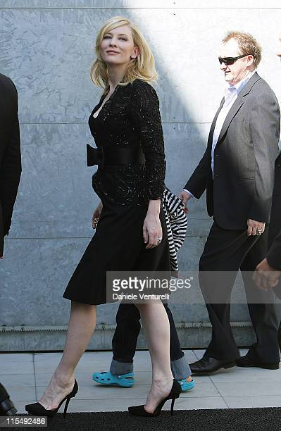 Actress Cate Blanchett, husband Andrew Upton and family arrive at the Giorgio Armani fashion show at Milan Fashion Week Womenswear Spring/Summer 2009...