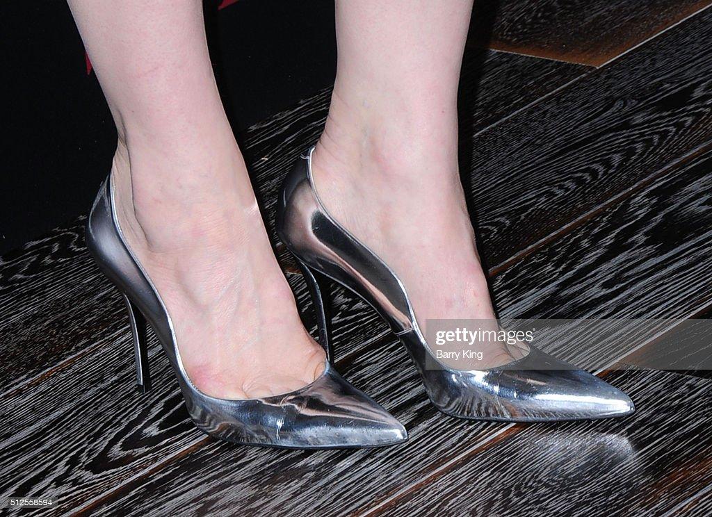 cate blanchett feet