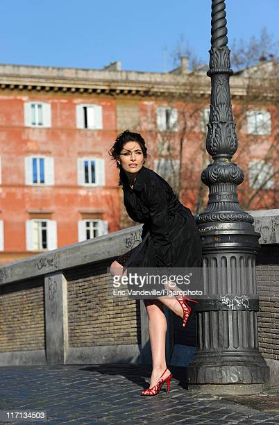 Actress Caterina Murino is photographed for Le Figaro Magazine on February 24 2011 in Rome Italy Figaro ID 100473065 CREDIT MUST READ Eric...
