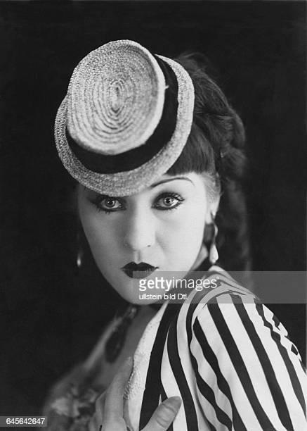 Actress Catherine Hessling in the film Nana director Jean Renoir 1926Photographer Studio V Henry ParisVintage property of Ullstein Bild