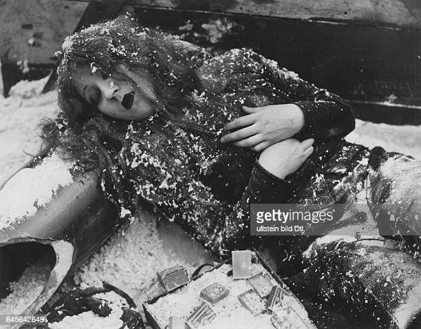 Actress Catherine Hesslingin the film The Little Match Girl director Jean Renoir 1928Vintage property of Ullstein Bild