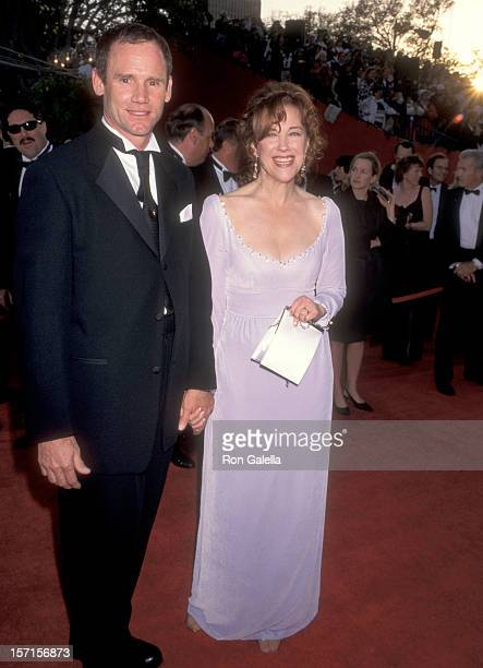Actress Catherine O'Hara and husband Bo Welch attend the 68th Annual Academy Awards on March 25 1996 at Dorothy Chandler Pavilion in Los Angeles...