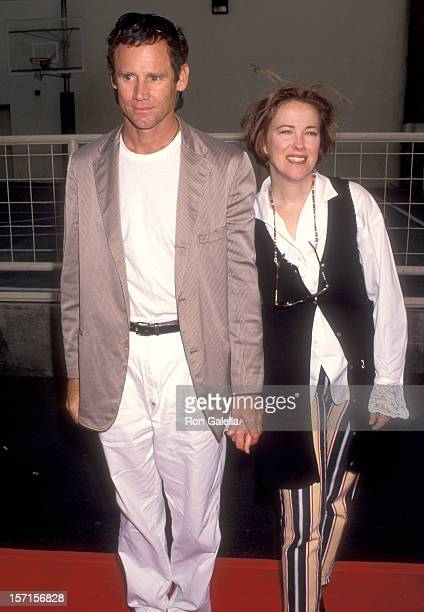Actress Catherine O'Hara and husband Bo Welch attend the Fifth Annual Project Robin Hood Food Drive to Benefit Love Is Feeding Everyone on June 26...
