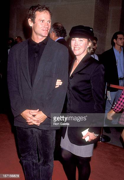 Actress Catherine O'Hara and husband Bo Welch attend the Night and the City Gala Tribute to Irwin Winkler on October 15 1992 at Los Angeles County...