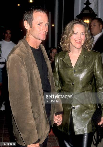 Actress Catherine O'Hara and husband Bo Welch attend the Ronin Beverly Hills Premiere Party on September 23 1998 at Chasen's Restaurant in Beverly...