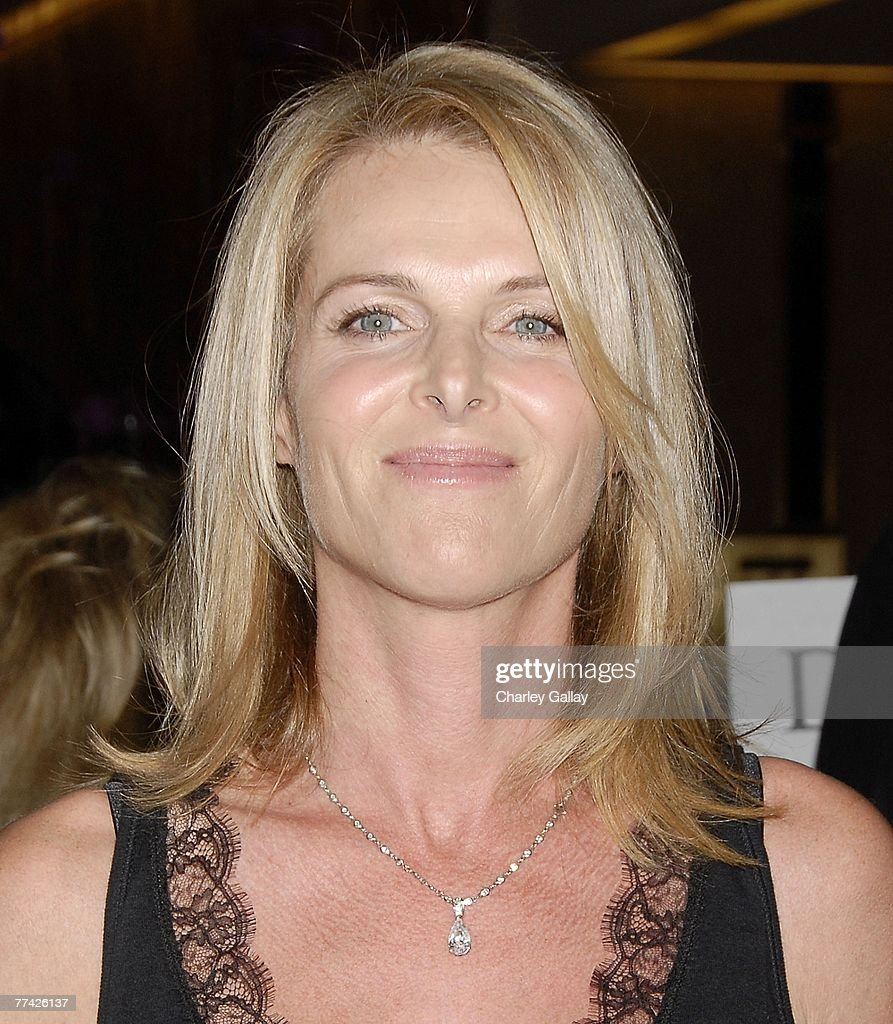 Actress Catherine Oxenberg attends the 53rd Annual Young Musicians Foundation Gala, celebrating Merv Griffin, at the Beverly Hilton hotel on October 19, 2007 in Los Angeles, California.