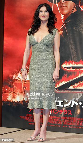 Actress Catherine ZetaJones attends a press conference promoting her film 'The Legend of Zorro' on January 16 2006 in Tokyo Japan The film was...