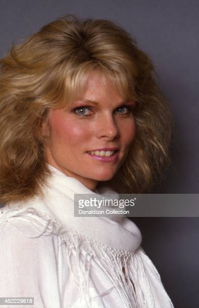 Actress Cathy Lee Crosby poses for a portrait session in circa 1982 in Los Angeles California