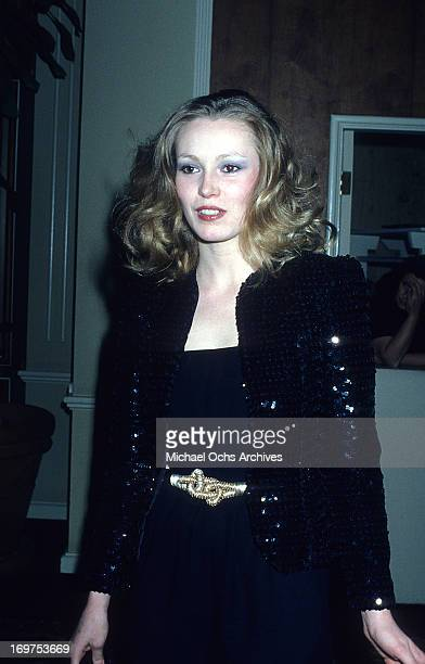 Actress Cathy Moriarty poses for a portrait at the Golden Globes circa 1981