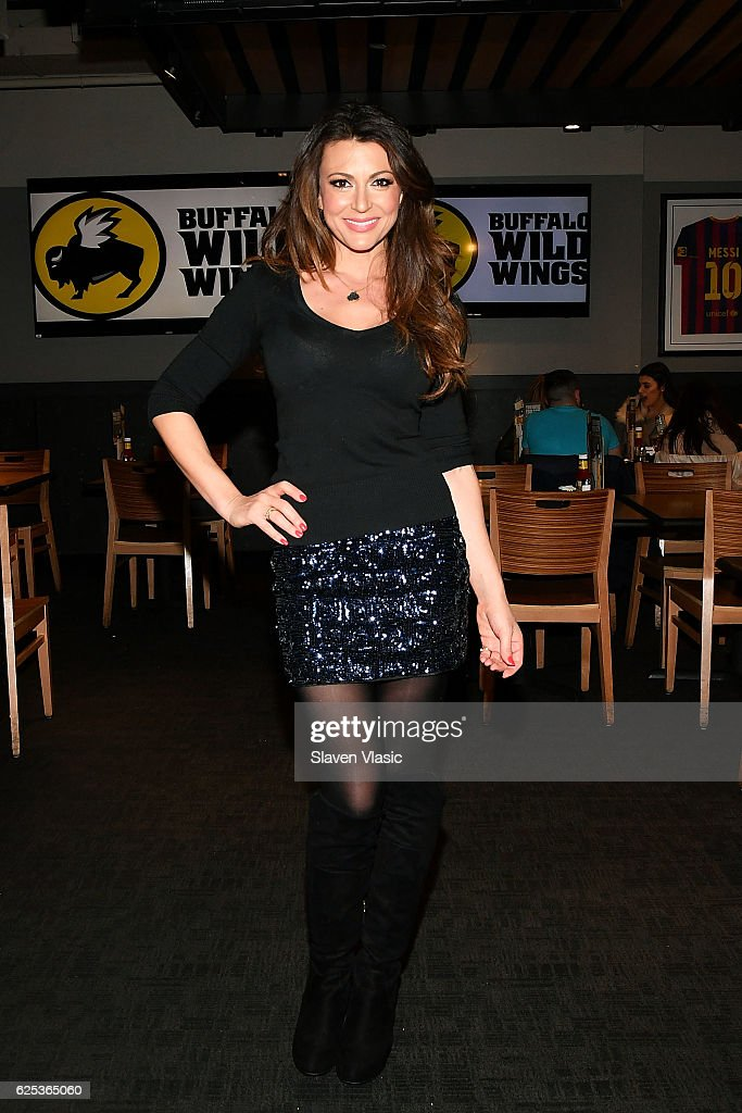 Cerina Vincent Visits Buffalo Wild Wings Times Square : News Photo