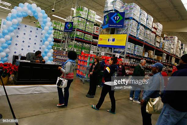 Actress Chandra Wilson attends the Downy Brings a 'Touch of Comfort' event to Sam's Club on December 12 2009 in Pineville North Carolina