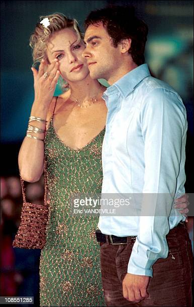 Actress Charlize Theron and boy friend Stuart Townsend in Venice Italy in September 2001