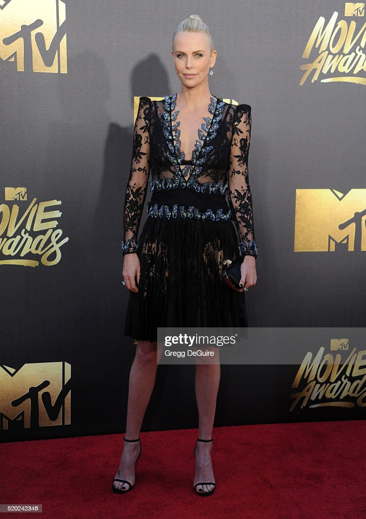2016 MTV Movie Awards - Arrivals : News Photo