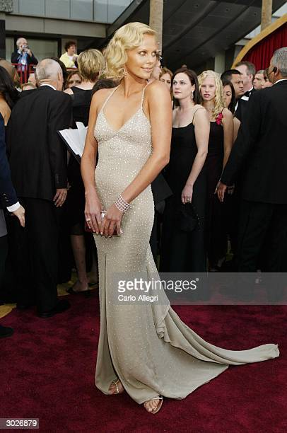 Actress Charlize Theron attends the 76th Annual Academy Awards at the Kodak Theater on February 29, 2004 in Hollywood, California.