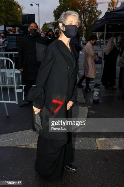 Actress Charlotte Rampling attends the Yohji Yamamoto Womenswear Spring/Summer 2021 show as part of Paris Fashion Week on October 02, 2020 in Paris,...