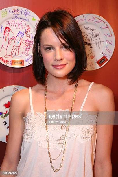 Actress Chelsea Hobbs decorates a Stouffer's plate to be auctioned off for charity at Melanie Segal's Kids' Choice Awards Lounge Presented By...