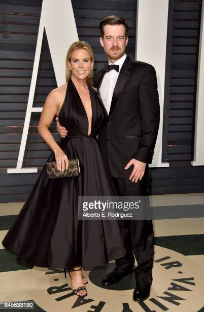 Actress Cheryl Hines and guest attend the 2017 Vanity Fair Oscar Party hosted by Graydon Carter at Wallis Annenberg Center for the Performing Arts on...