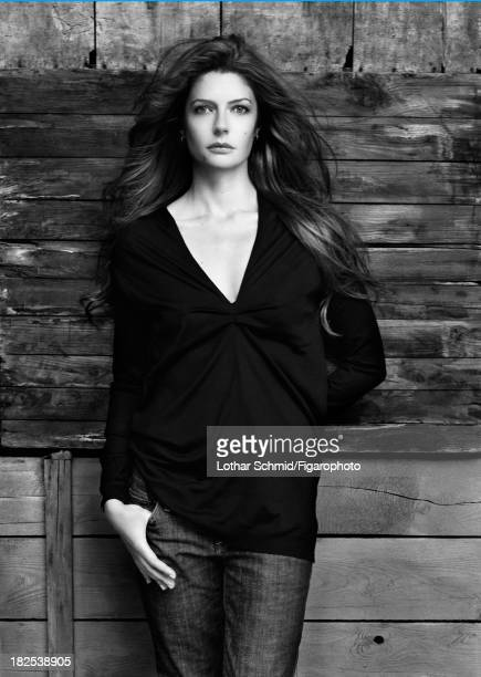 076525003 Actress Chiara Mastroianni is photographed for Madame Figaro on May 31 2007 in Paris France Sweater jean Makeup by Sisley PUBLISHED IMAGE...