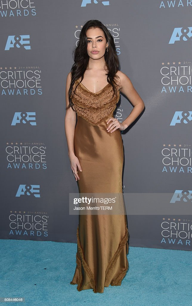 Actress Chloe Bridges attends the 21st Annual Critics' Choice Awards at Barker Hangar on January 17, 2016 in Santa Monica, California.