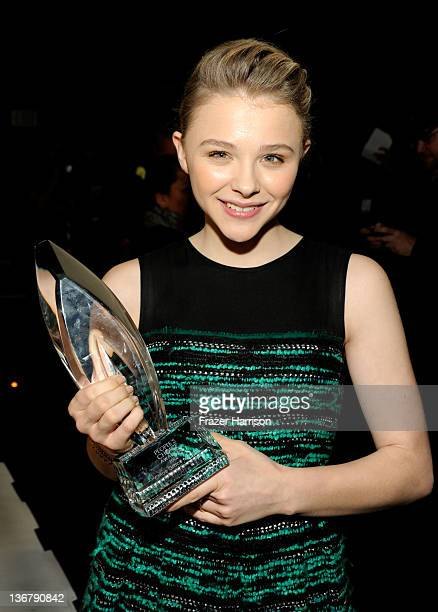 Actress Chloe Moretz with the award for Favorite Movie Star Under 25 attends the 2012 People's Choice Awards at Nokia Theatre LA Live on January 11...