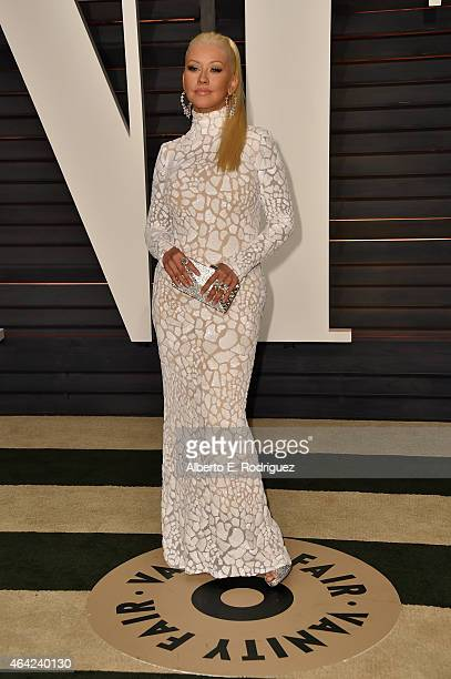 Actress Christina Aguilera attends the 2015 Vanity Fair Oscar Party hosted by Graydon Carter at Wallis Annenberg Center for the Performing Arts on...