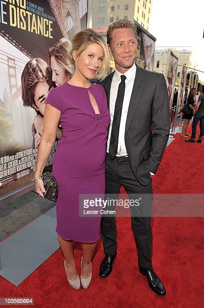Actress Christina Applegate and musician Martyn Lenoble attends the Going The Distance Los Angeles premiere red carpet on August 23 2010 in Los...