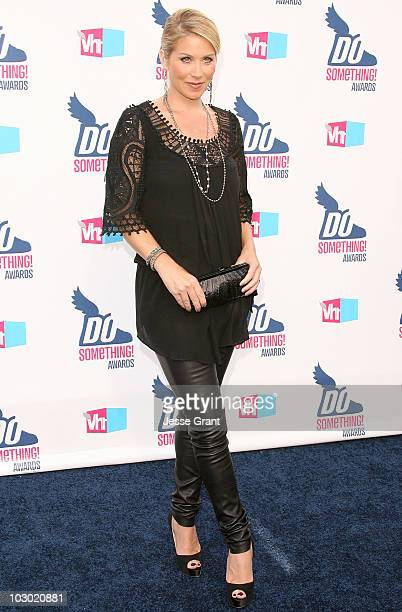 Actress Christina Applegate arrives at the 2010 VH1 Do Something! Awards held at the Hollywood Palladium on July 19, 2010 in Hollywood, California.