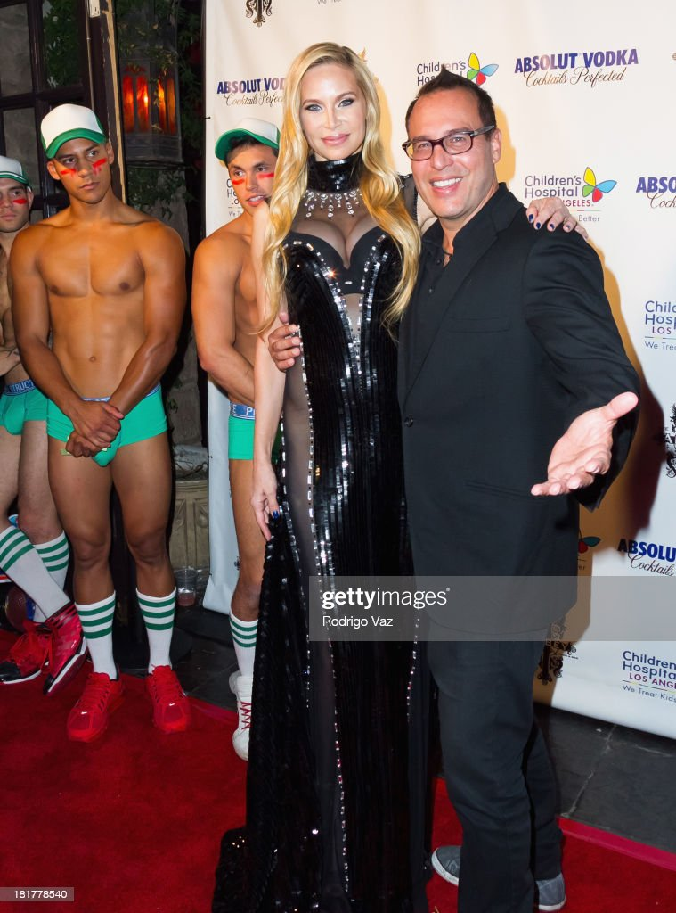 Actress Christina Fulton (C) attends The Abbey's 8th annual Christmas In September Event benefiting The Children's Hospital Los Angeles at The Abbey on September 24, 2013 in West Hollywood, California.