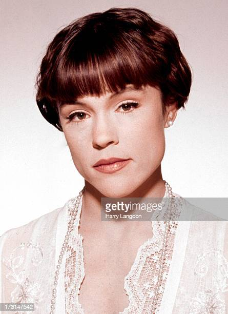 Actress Christine Elise poses for a portrait circa 1995 in Los Angeles California