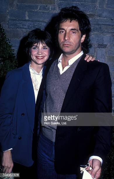 Actress Cindy Williams and Bill Hudson attend the performance of The Groundlings on March 19 1984 at the Westwood Playhouse in Westwood California