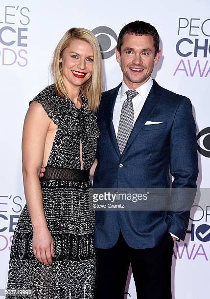 Actress Claire Danes and actor Hugh Dancy attend the People's Choice Awards 2016 at Microsoft Theater on January 6 2016 in Los Angeles California