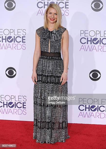 Actress Claire Danes arrives at the 2016 People's Choice Awards at Microsoft Theater on January 6 2016 in Los Angeles California