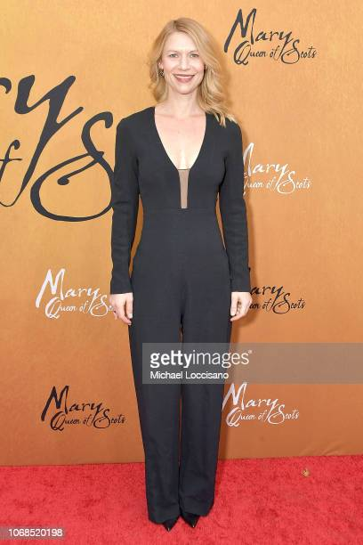 """Actress Claire Danes attends the New York premiere of """"Mary Queen Of Scots"""" at Paris Theater on December 4, 2018 in New York City."""