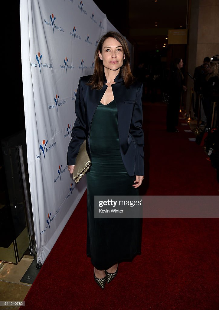 Actress Claire Forlani attends the Venice Family Clinic Silver Circle Gala 2016 honoring Brett Ratner and Bill Flumenbaum at The Beverly Hilton Hotel on March 7, 2016 in Beverly Hills, California.