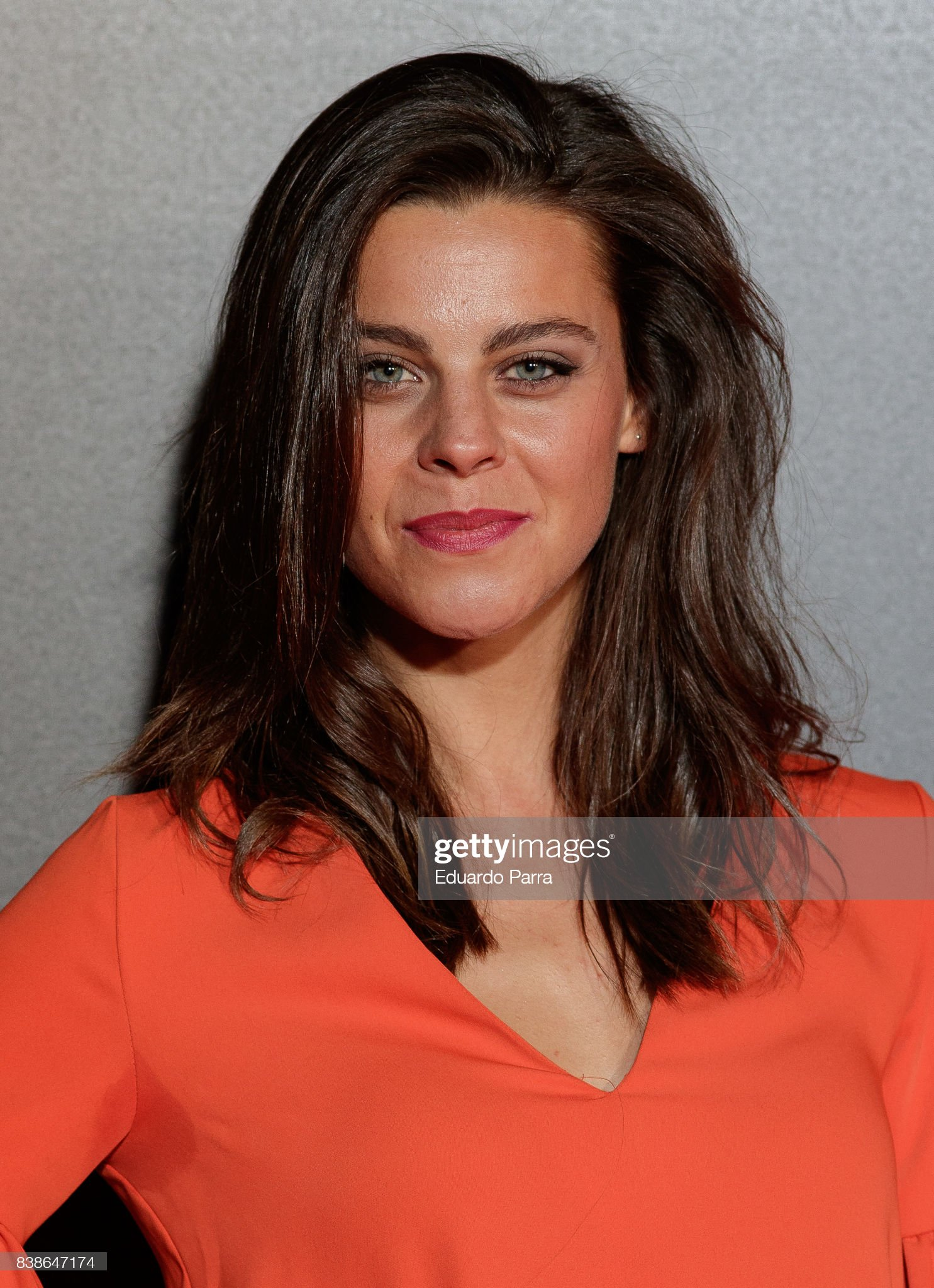 ¿Cuánto mide Clara Alvarado? - Altura  Actress-clara-alvarado-attends-the-veronica-premiere-at-kinepolis-on-picture-id838647174?s=2048x2048
