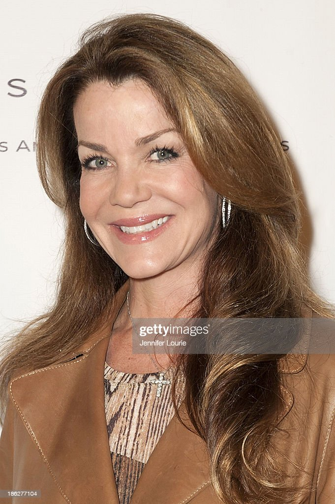 claudia christian net worth