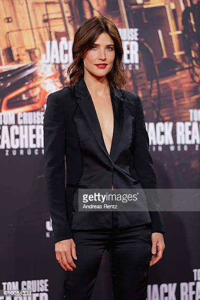 Actress Cobi Smulders attend the 'Jack Reacher Never Go Back' Berlin Premiere at CineStar Sony Center Potsdamer Platz on October 21 2016 in Berlin...