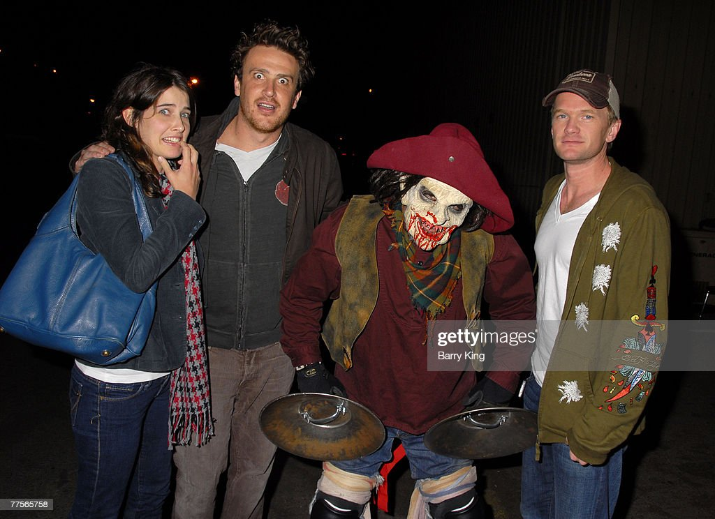 Neil Patrick Harris Visits Knotts Scary Farm Photos and Images ...