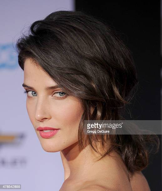 Actress Cobie Smulders arrives at the Los Angeles premiere of 'Captain America The Winter Soldier' at the El Capitan Theatre on March 13 2014 in...