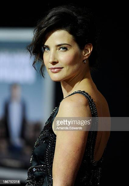 "Actress Cobie Smulders arrives at the Los Angeles premiere of ""Delivery Man"" at the El Capitan Theatre on November 3, 2013 in Hollywood, California."