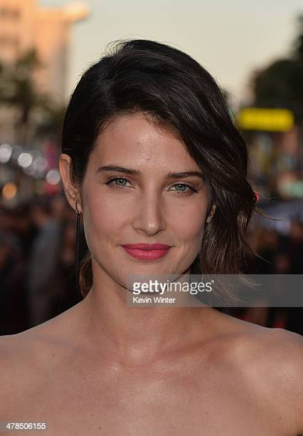 Actress Cobie Smulders attends the premiere of Marvel's 'Captain America The Winter Soldier' at the El Capitan Theatre on March 13 2014 in Hollywood...