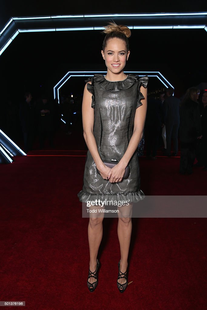 Actress Cody Horn attends the Premiere of Walt Disney Pictures and Lucasfilm's 'Star Wars: The Force Awakens' on December 14, 2015 in Hollywood, California.
