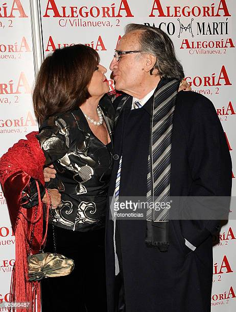 Actress Concha Velasco and singer Manolo Escobar attend Concha Velasco 70th birthday party at Alegoria Club on November 24 2009 in Madrid Spain