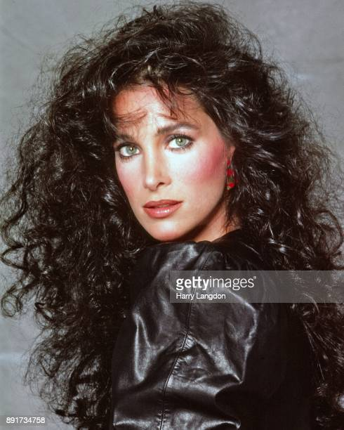 Actress Connie Sellecca poses for a portrait in 1987 in Los Angeles, California.